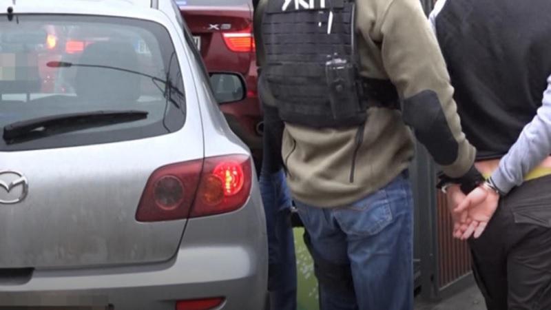 uhapsen-zbog-falsifikovanja,-policija-mu-nasla-i-pistolje