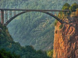 samoubistvo-skokom-sa-mosta-na-tari
