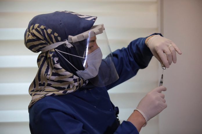 turska:-vise-od-84,8%-ljudi-primilo-bar-jednu-dozu-vakcine