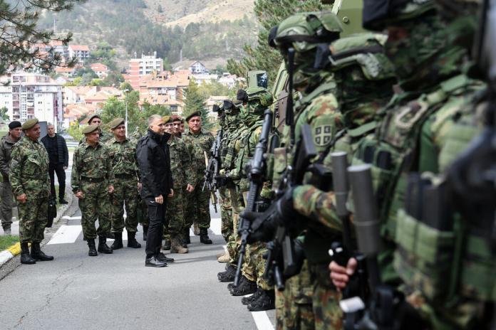 stefanovic:-vojska-spremna-da-zastiti-svoj-narod