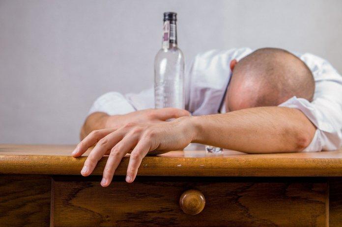 od-trovanja-alkoholom-u-rusiji-umrlo-26-ljudi