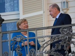 angela-merkel-kod-erdogana-u-oprostajnoj-poseti-turskoj